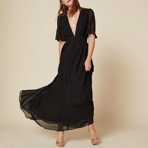 REFORMATION PLUNGING V-NECK TEEGAN DRESS IN BLACK